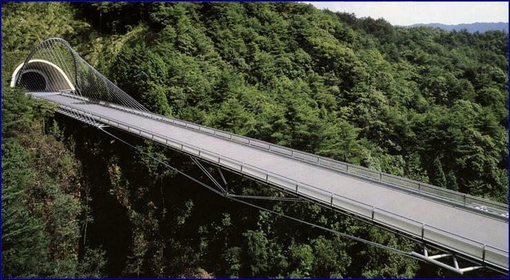 Арочный пилон моста (Япония, 1996) (120 м)